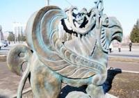 На центральной площади Усть-Каменогорска вместо грифона появится скифская девушка
