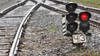Пожилой мужчина погиб под колесами грузового поезда в ВКО