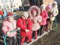 Поставить ребенка в онлайн-очередь на детский сад можно в нескольких регионах Казахстана