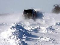 В ВКО из снежных заносов освободили 11 автомобилей и 2 автобуса
