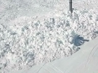 Снежная лавина заблокировала движение поезда в ВКО