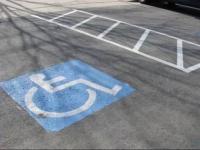 Инвалидам в Казахстане могут разрешить парковаться в неположенных местах