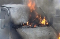 В Семее на ходу загорелся микроавтобус с пассажирами