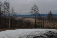 Не-весна в ВКО: Жители станции Аврора не могут выехать из села из-за снега в метр толщиной