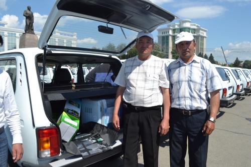 (+Фото) 221 автомобиль марки «Нива» получили сегодня ветеринарные службы Восточно-Казахстанской области